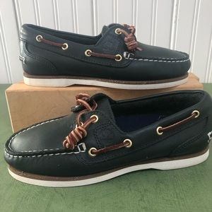 Timberland Women Classic Amherst 2-Eye Boat Shoes